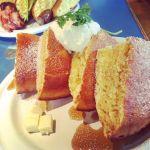 アスク ア ジラフ 3人でそれぞれオムライス食べた後、1人1皿のパンケーキ\( ^)o(^ )/とんでもなくお腹いっぱいになった…なんとか全完食!!
