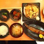 秋刀魚の塩焼き定食と秋の天ぷら盛り合わせ。相方飲み会につきひとりごはん。さんまが超絶うますぎた!!(˃̶͈̀௰˂̶͈́)و五穀 岡南店