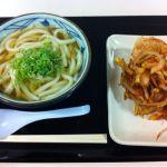 利府のイオンにある「丸亀製麺」で、冷かけうどんと小えびのかき揚げ。