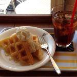 ブレスカフェモザイクの端にあるカフェロケーション最高アイスと蜂蜜がベストマッチ