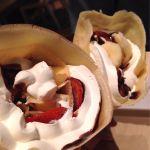 Lil' Donuts 三井アウトレットパーク入間店 902crepe!の苺チョコ生クリームと、バナナチョコ生クリーム。何年ぶりかでクレープ食べたー❤︎