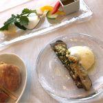 バーニャカウダ、貝パン粉焼き、パン ランチで4000円のコース♡ バーニャカウダのソースが香草の香りがふわっと広がりいい感じ♪ ☆★★★★