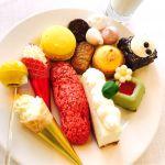 デザートビュッフェ♡ マンゴーのボンボンとレモンマカロンがお気に入り(*´エ`*) いっぱいデザート食べてちょうどお腹いっぱいの絶妙な量♡ただ全体的に甘め♡ ☆☆★★★