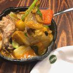 野菜を食べるカレー camp オーテモリ店で1日分の野菜カレー+鶏肉 東西線から丸ノ内線への乗り換え途中のオオテモリにあるから便利