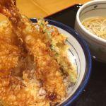気分なところにちょうどてんやが。しかもてんやの天ぷらってこんなに旨かったっけ?衣がサクサクや〜。ー天丼 てんや シャポー船橋店