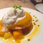 cafe & books bibliotheque 梅田店/7月限定の濃厚なめらかマンゴークリームパンケーキ🥞酸味強めのマンゴークリームに、バニラアイスがすごく合ってて美味しい!