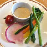 トラットリア コルティブォーノ東京   サラダ(ランチパスタセット:1240円)   ゴマだれを付けて頂きます。フォークでアスパラを持つのは難しい。