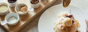 【ホテル椿山荘東京】1日10食限定スフレパンケーキが登場。8種のトッピングで自分流にアレンジ