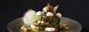 濃厚な宇治抹茶香る三段重ねパフェ風パンケーキ「ふんわり濃茶のパンケーキ」~リーガロイヤルホテル京都