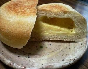 フランスクリームパン