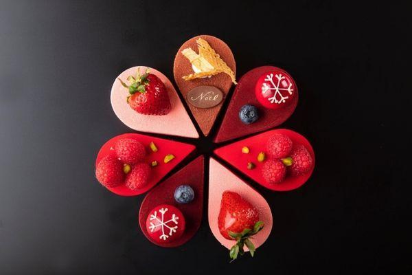 ヒルトン東京お台場「クリスマスレインボーケーキ」