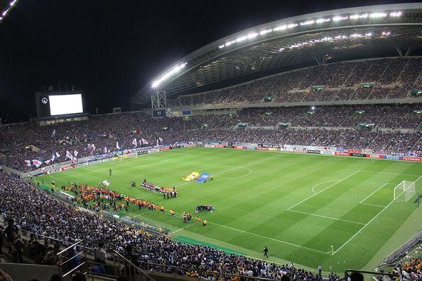 埼玉スタジアム2002の概要と大きさ