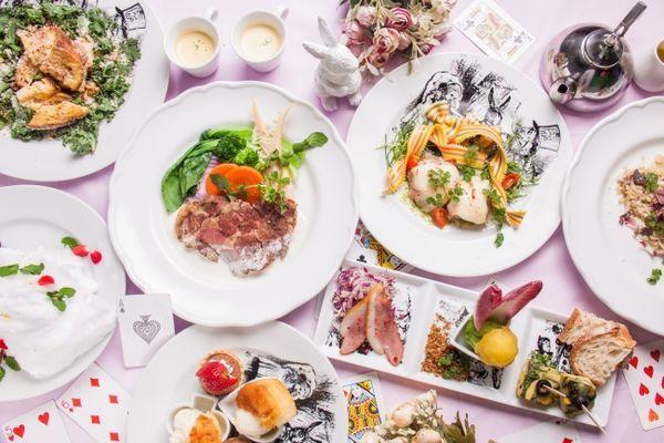 アリスのファンタジーレストラン「アリスのホワイトデーコース7品」3500円より~(お料理のみ、税抜)