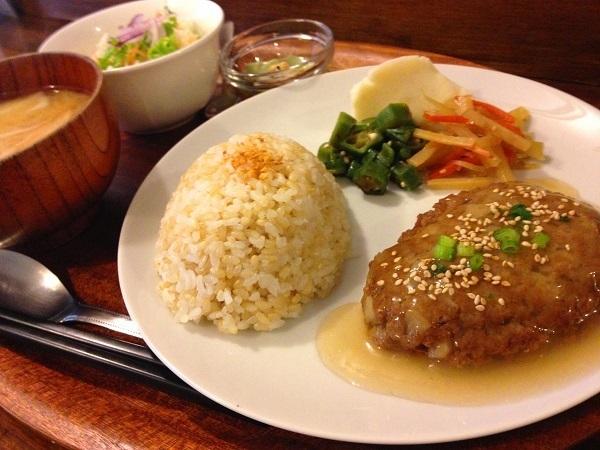 EACH CAFE(イーチカフェ)