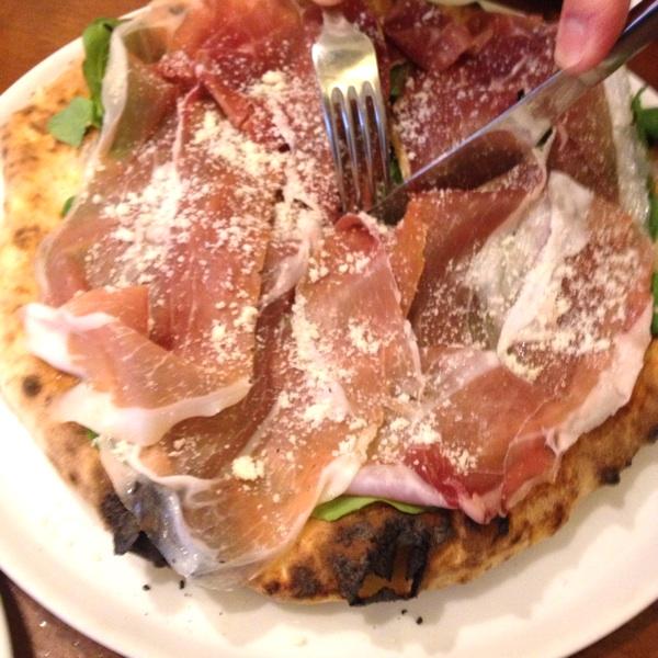 その味は【世界一】超有名ピッツェリア店「ソロピッツァ ナポレターナ 大須本店」