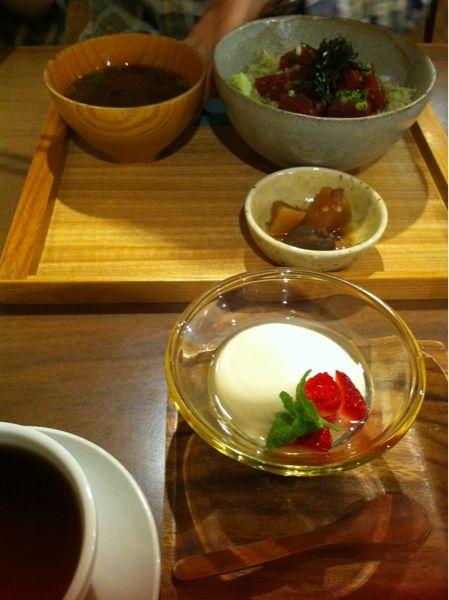 【伏見・丸の内周辺】ほっこりできる店「食堂カフェ 二兎」