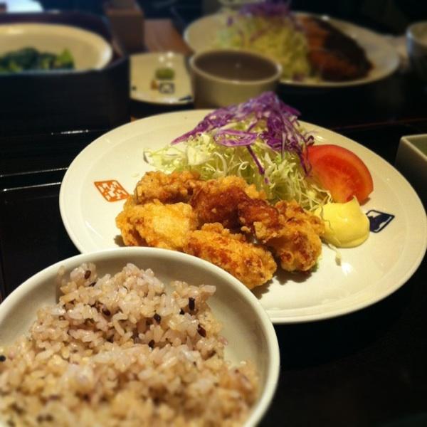 かまどで炊いた美味しいお米が人気の「大かまど飯 寅福 JRセントラルタワーズ店」!