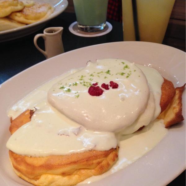 パンケーキが人気「ライトカフェ」