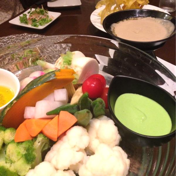 新鮮お野菜たっぷりメニューが自慢のTAST-6
