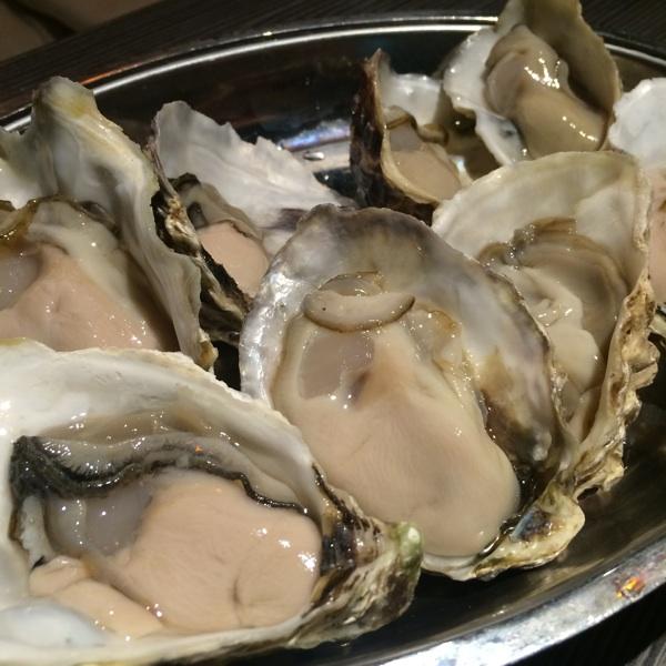 [生牡蠣/オーブン焼/カキフライ/冷製]gigas Oyster Spot Bar 高田馬場店