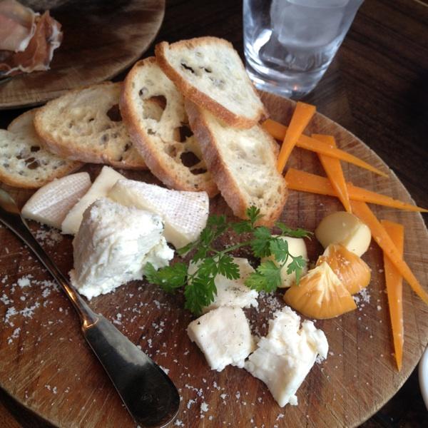 タパス&ワイン RIVER CAFE(リバーカフェ)