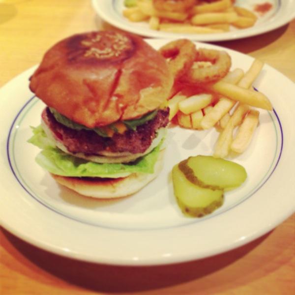 名古屋のハンバーガー専門店、レイヤーズ