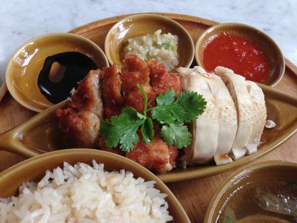 本場シンガポールの雰囲気を味わえる「シンガポール海南鶏飯」