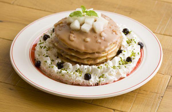 ららぽーとTOKYO-BAY店限定『和梨とタピオカミルクティーパンケーキ』