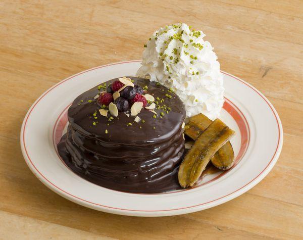 ●ららぽーとエキスポシティ店限定『キャラメルバナナとホットチョコレートのパンケーキ』1,480円