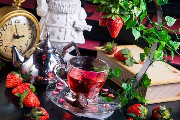 【絵本の国のアリス限定】クイーンオブハートのvery berry tea time 780円