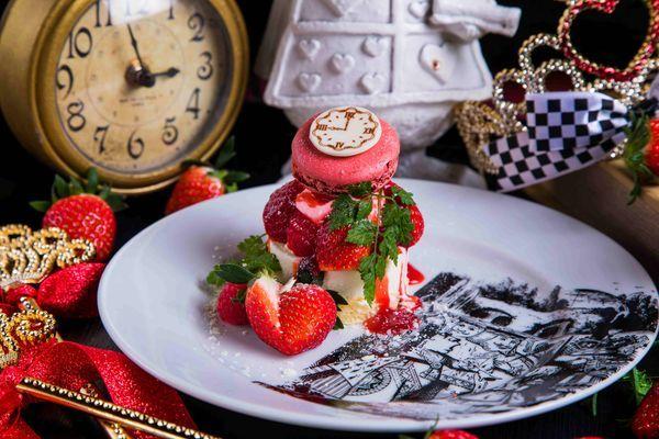 【魔法の国のアリス限定】鏡時計のレアチーズケーキ 980円