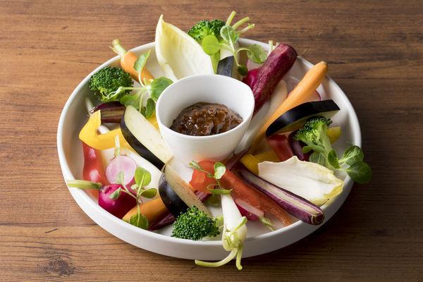 和牛肉味噌で食べる国産野菜スティック 980円(税抜)