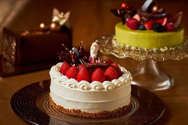 「シンプルに素材を生かすこと」をモットーにしたクリスマスケーキ