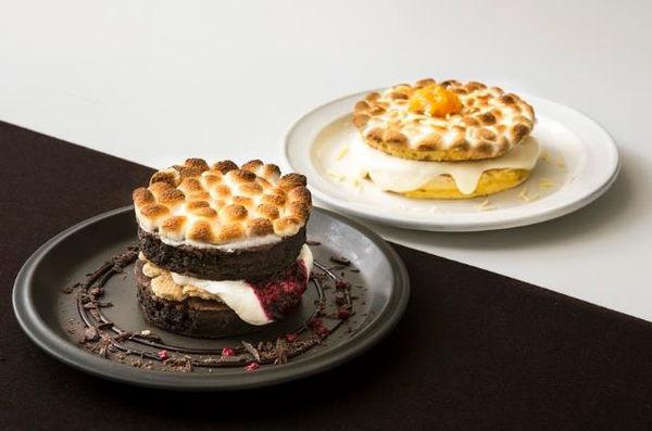 J.S. パンケーキカフェ「ブラックスモアパンケーキ」&「ホワイトスモアパンケーキ」1,180円