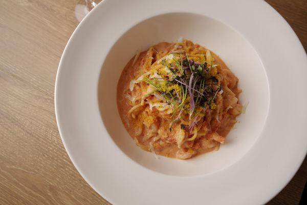 海老と蟹のスパゲッティーニ スパイシーピンクソース 1,750円