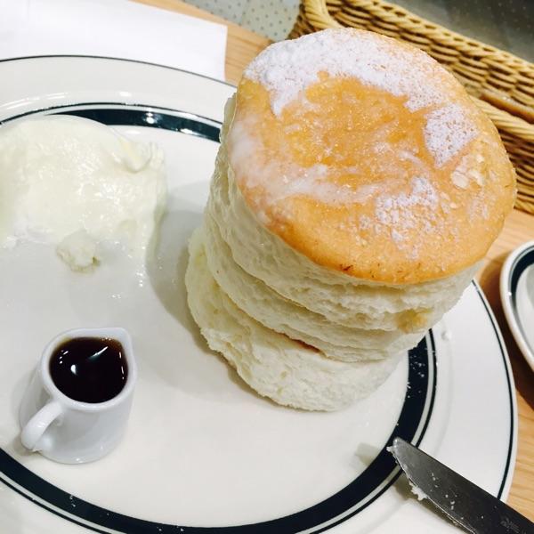 cafe&pancakes gram ヨツバコ店(グラム)