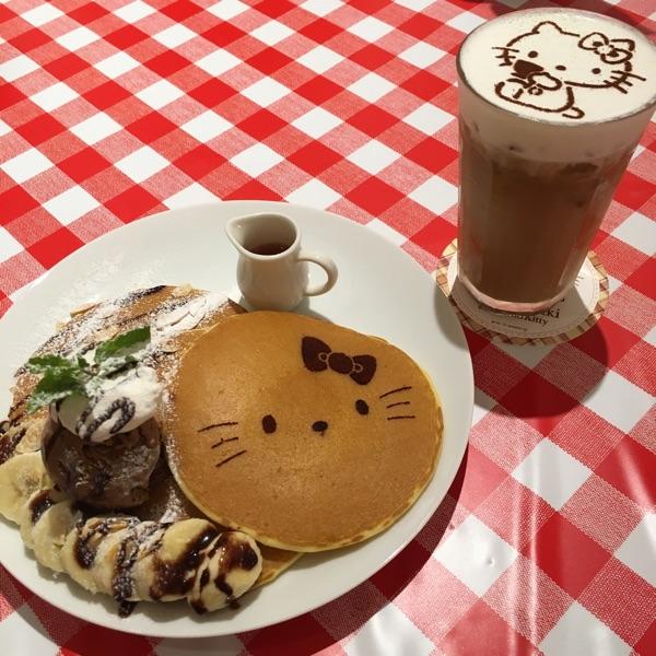 カフェ ド ミキ ウィズ ハローキティ ダイバーシティ店(Cafe de Miki with Hello Kitty)