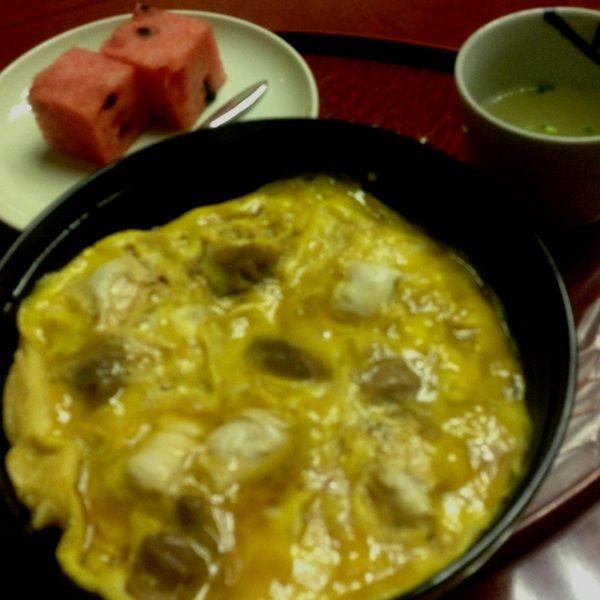 玉ひででコースランチ。元祖親子丼は甘くて美味しかったです