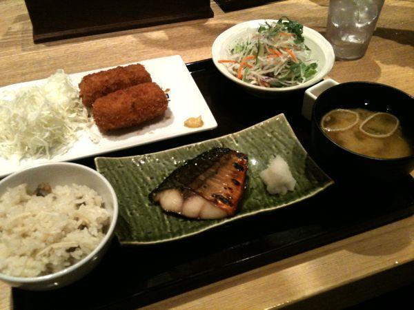 大かまど飯 寅福 新宿定食を頂きます。