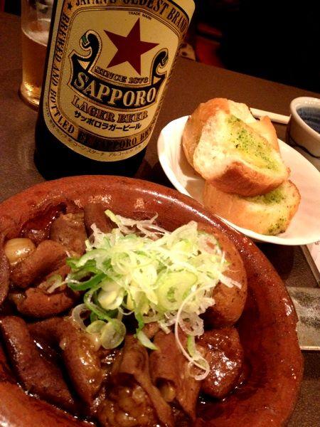 山利喜 本館@森下 煮込み 東京三大煮込み!熱々でデミグラステイストの洋風な煮込みはガーリックトーストとの相性も抜群。そして、建て替え後初訪、立派になってた