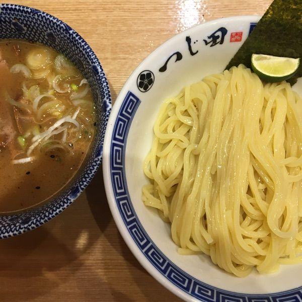 勝どきの つじ田 にて、つけ麺。麺がモニュモニュしてるのね